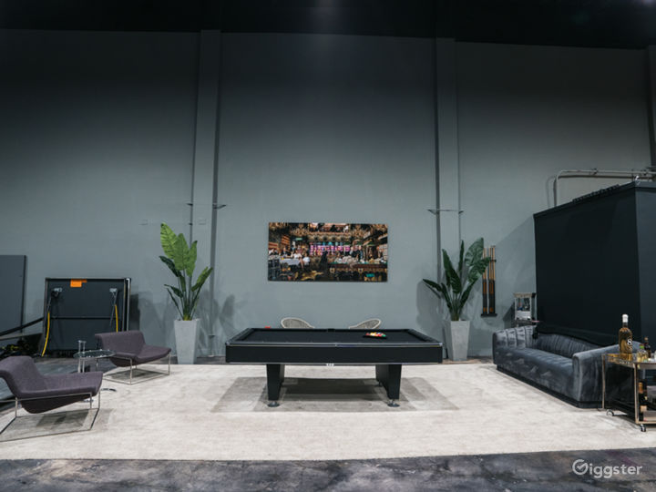 Modern warehouse with high ceilings Photo 3
