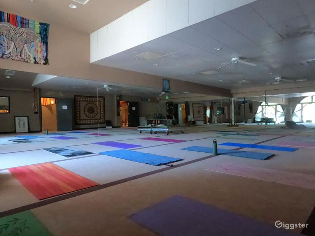Contemporary Yoga Studio in Newbury Park Photo 1