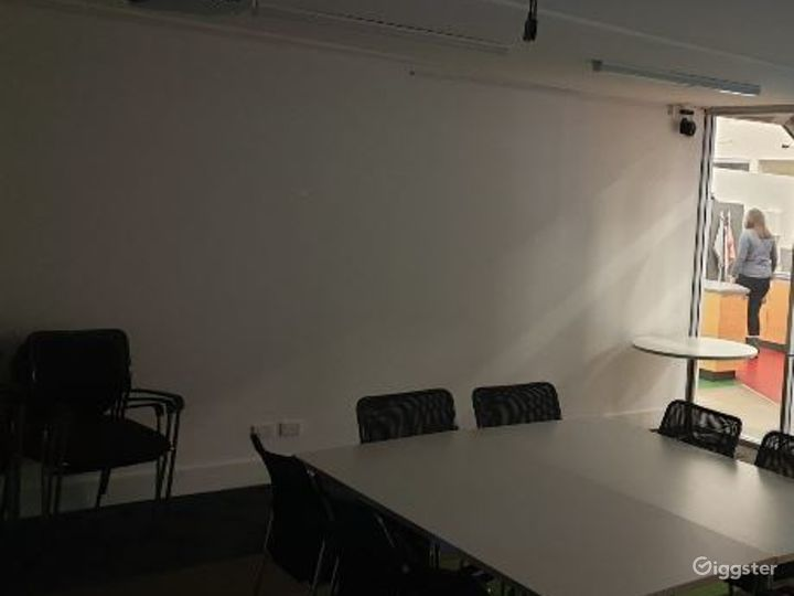 A VR Lab Tech and Rehearsal Space Photo 5