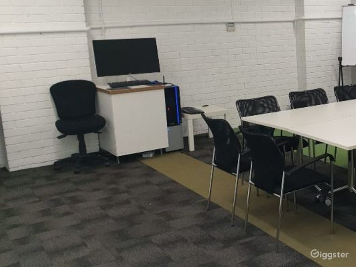 A VR Lab Tech and Rehearsal Space Photo 3