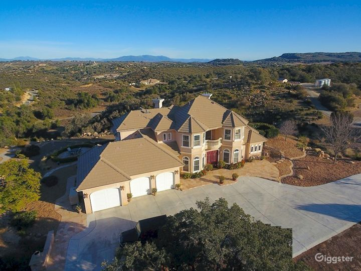 Mansion In The Hills 10 Acre Elegant Estate Home Photo 2
