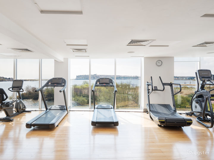 Hotel Gym with an Amazing view in Cardiff