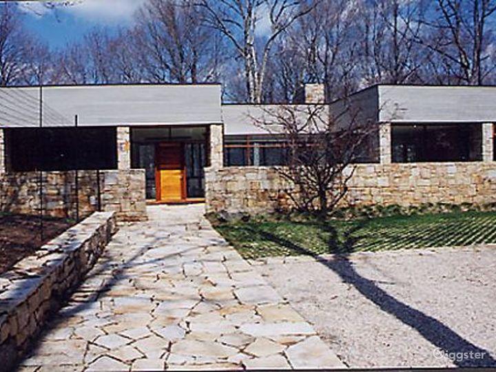 Mid century modern home: Location 5132 Photo 5