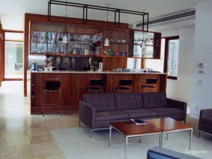 Mid century modern home: Location 5132 Photo 2