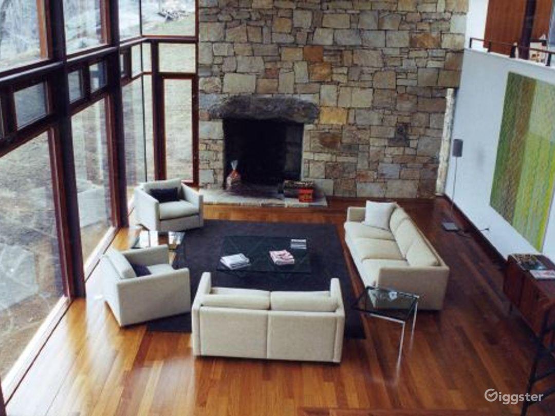 Mid century modern home: Location 5132 Photo 1