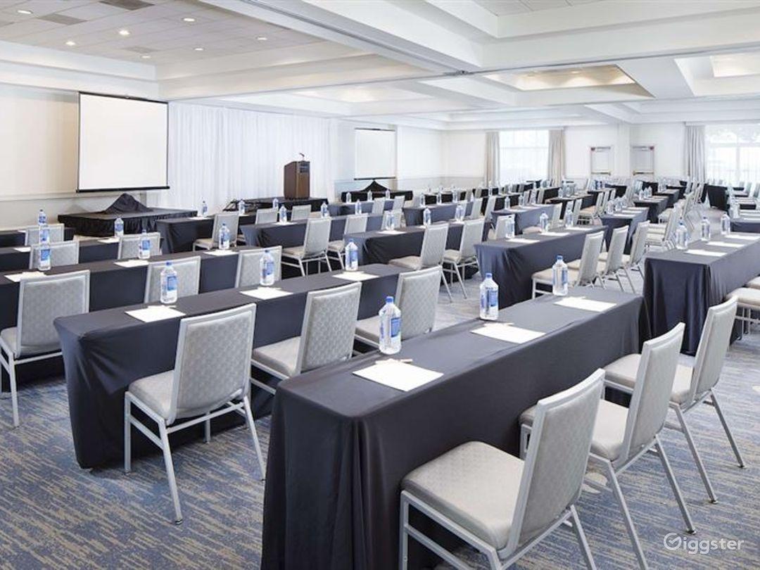 Spacious Ballroom For any Events Photo 1
