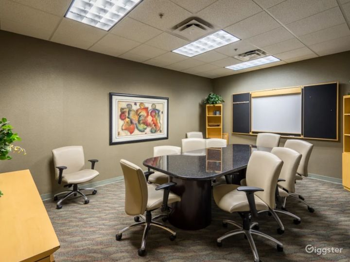 8 Person Conference Room In The Heart Of Chandler Photo 4