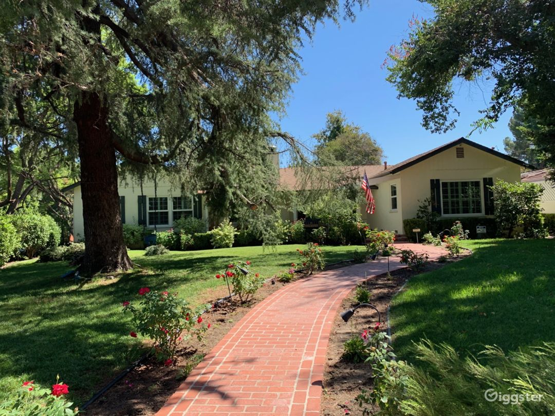 Traditional American Valley Home Photo 1