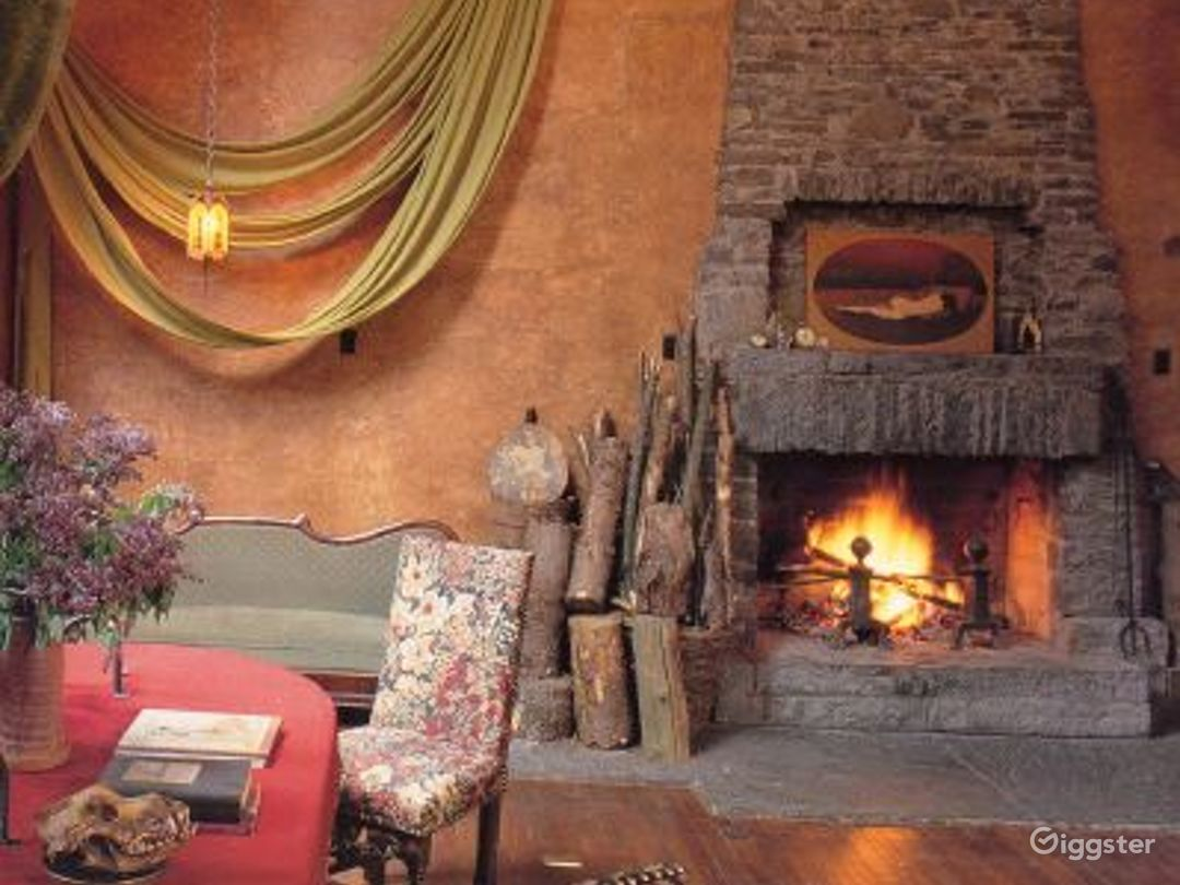 Rustic cabin style home: Location 2993 Photo 1