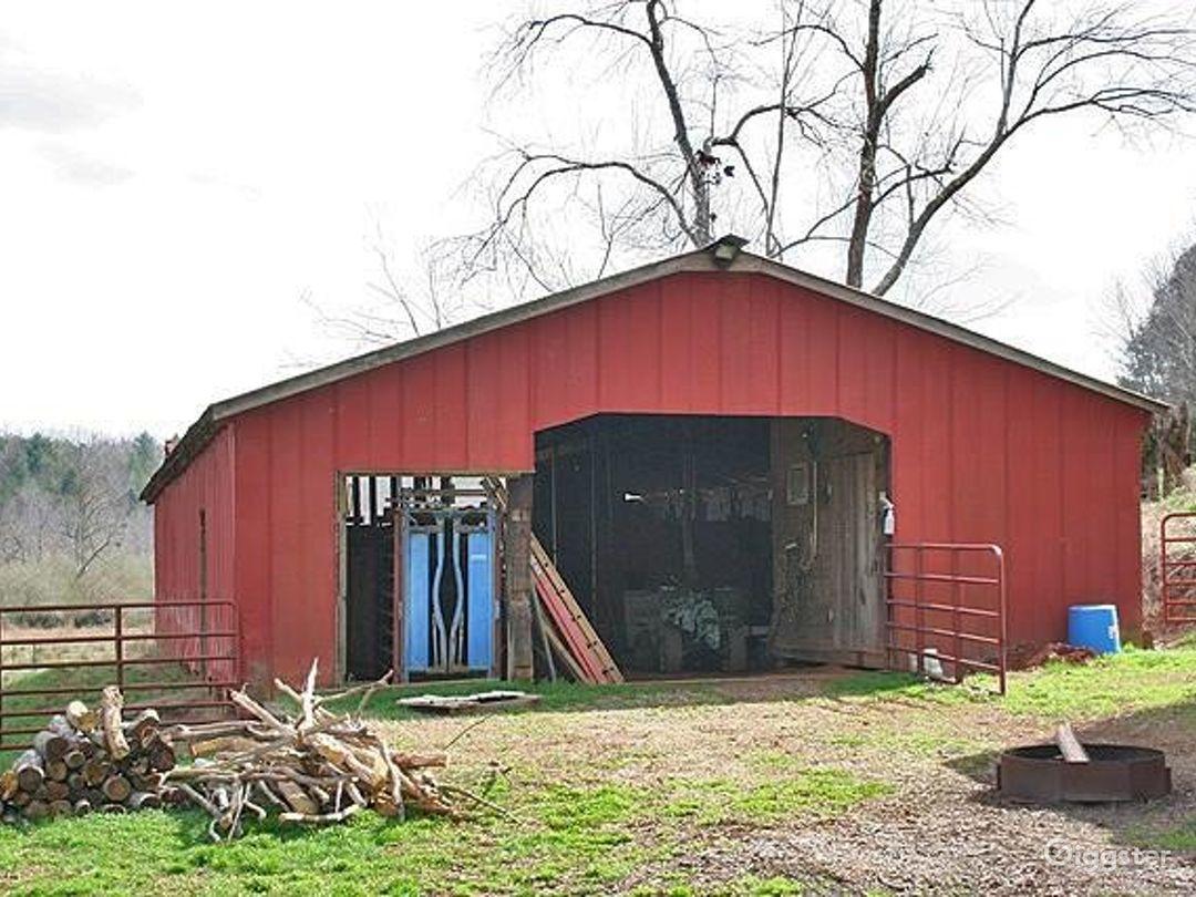 Beautiful Land w/Creek and Barn Photo 1