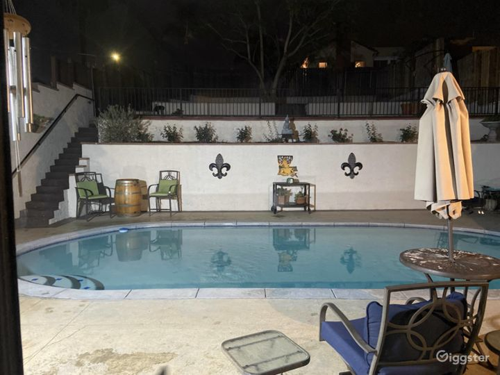 Beautiful L.A. Home with Pool and View Photo 4