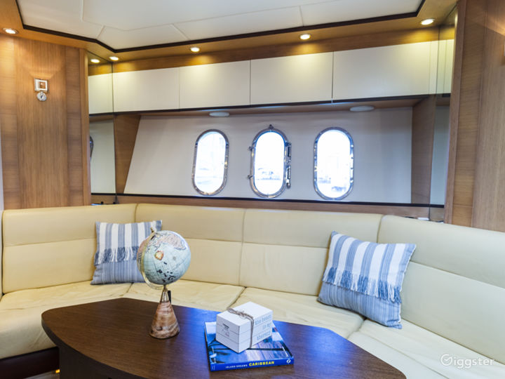 Supreme 55FT ASTONDOA Party Yacht Space Events Photo 2