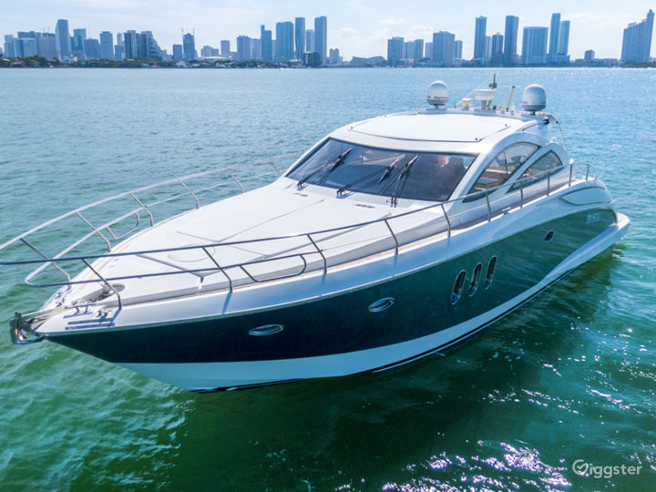Supreme 55FT ASTONDOA Party Yacht Space Events Photo 4