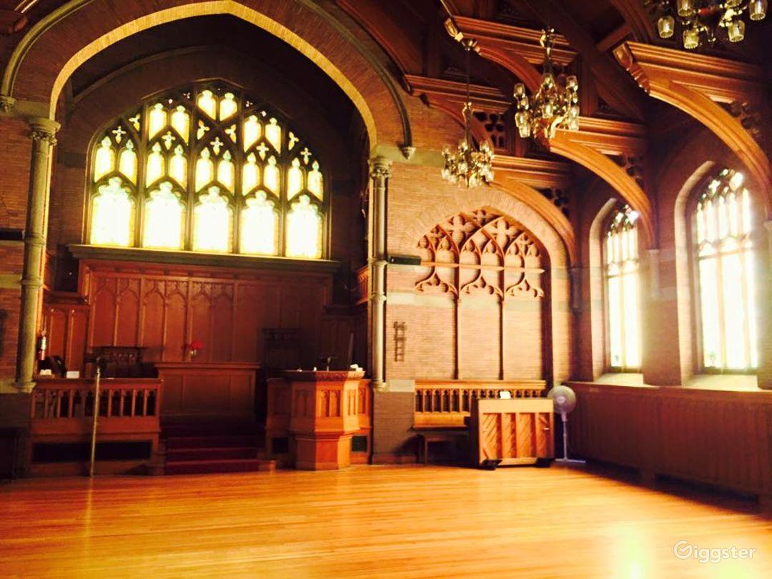European Style Hull Chapel Photo 1