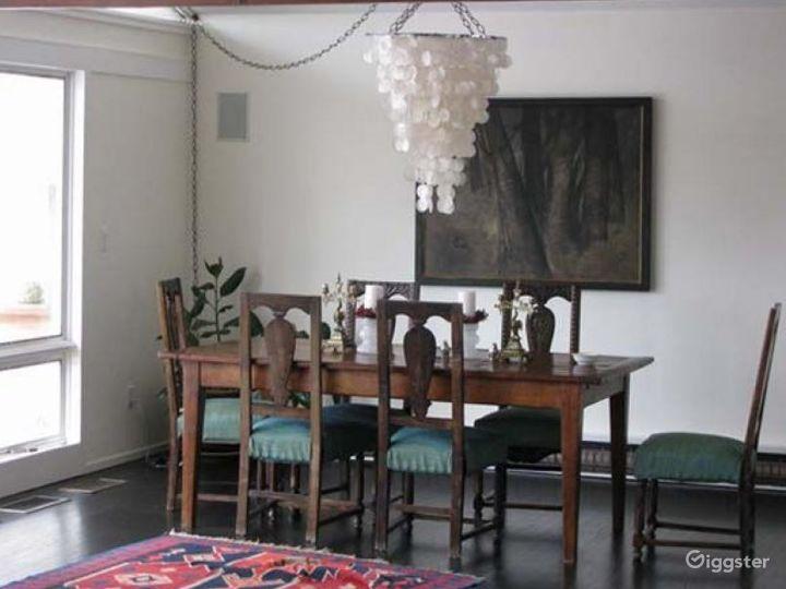 Contemporary suburban home: Location 4272 Photo 5