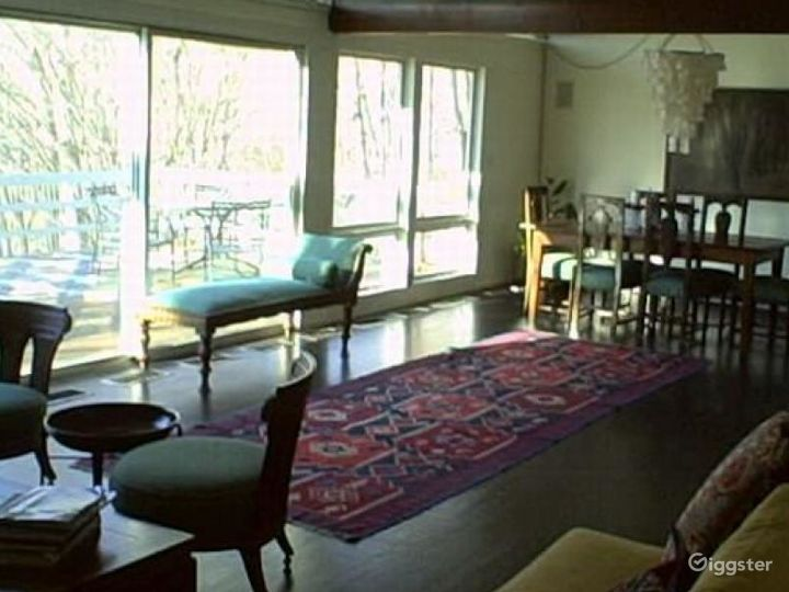 Contemporary suburban home: Location 4272 Photo 4
