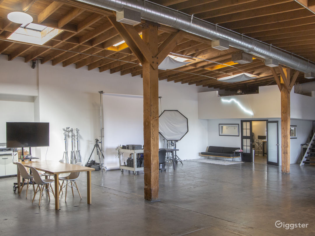 Spacious Arts District Warehouse Studio Photo 1
