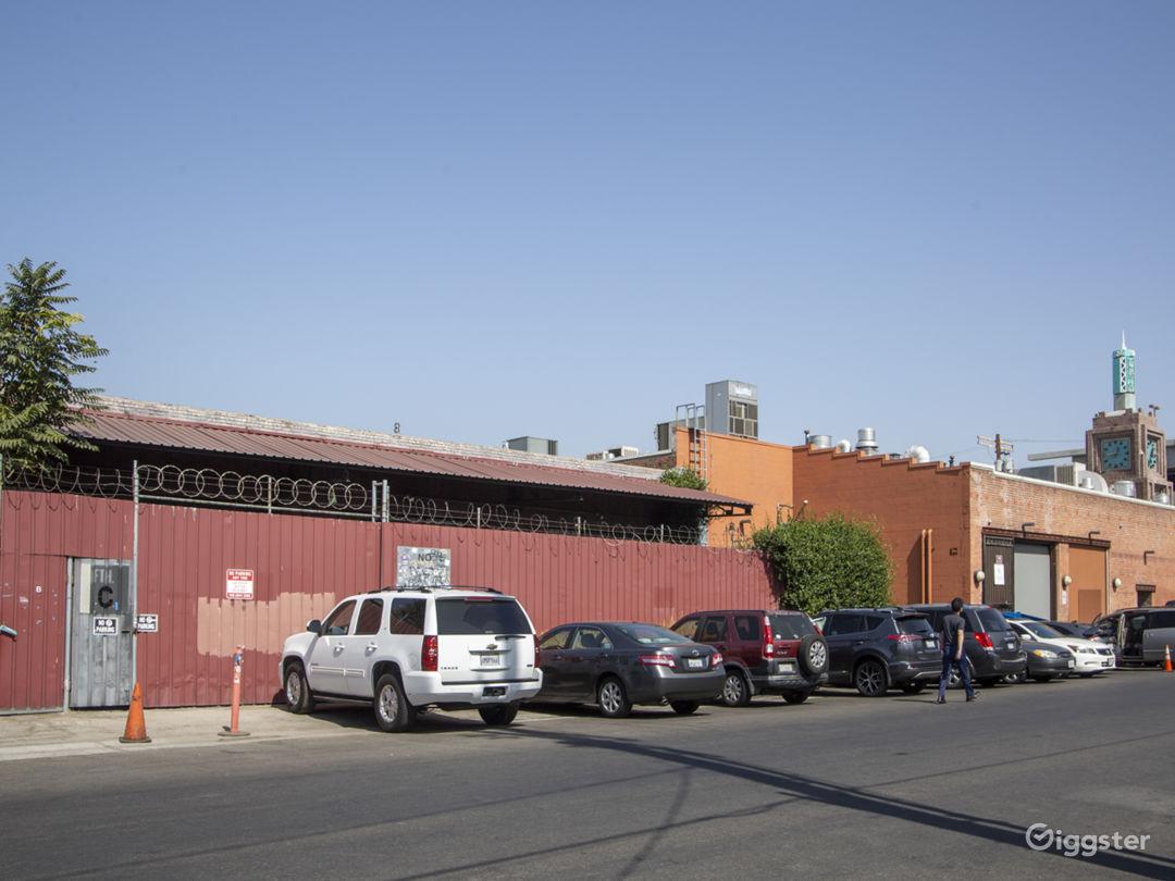 Spacious Arts District Warehouse Studio Photo 2