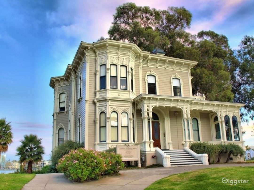 Victorian Charm in Oakland Photo 1
