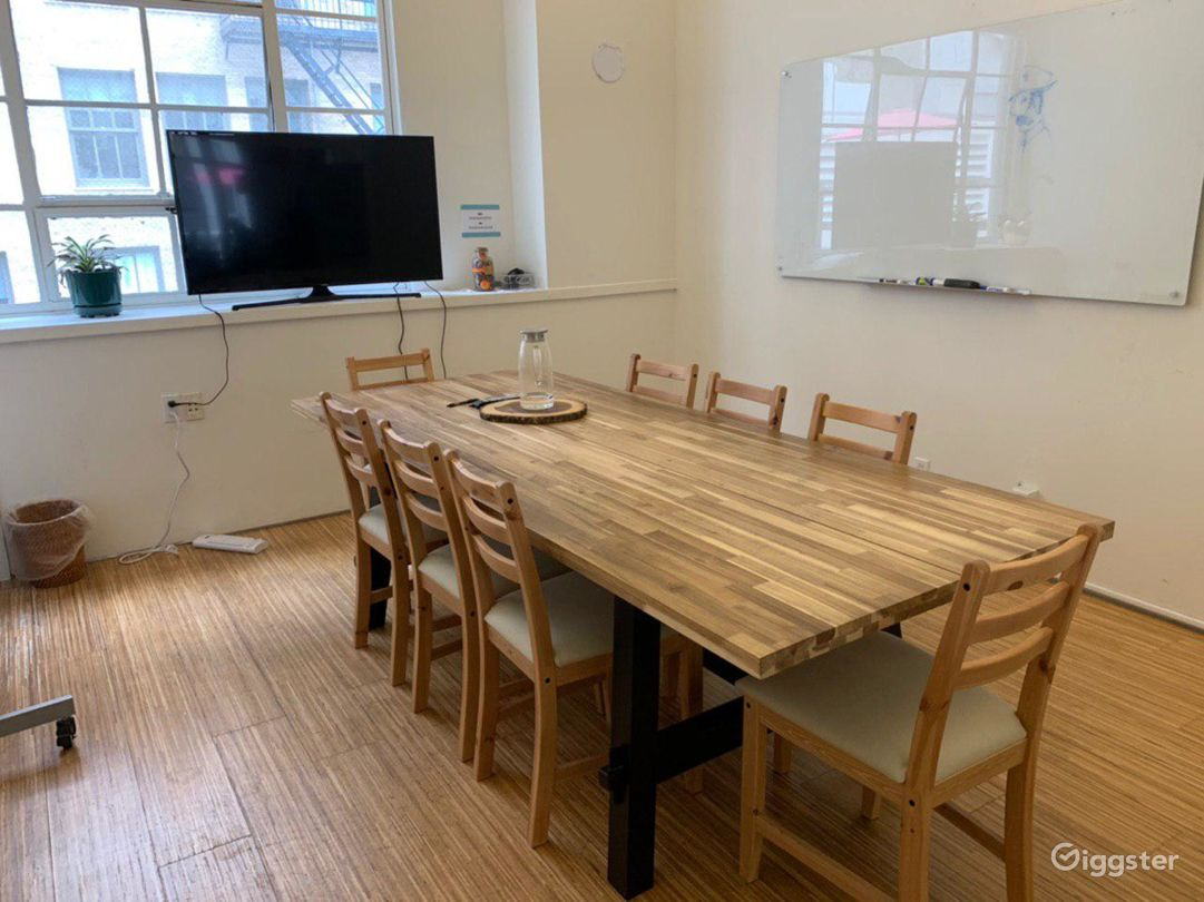 Furnished office space with two open decks Photo 5