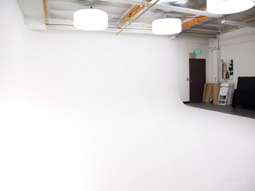 Throw an event, screening, live concert, premier, cocktail party on a cyc wall sound stage/