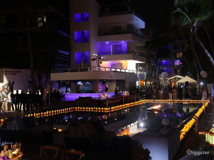 Pool Deck in Miami Beach Photo 5