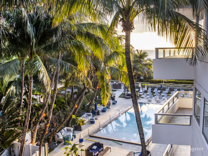 Pool Deck in Miami Beach Photo 4
