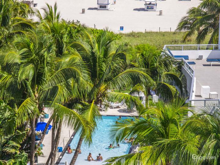 Pool Deck in Miami Beach Photo 3