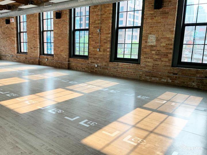 Large Studio Room for Yoga or Photoshoots Photo 5