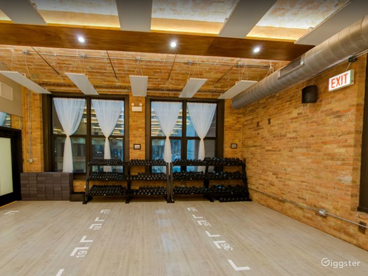 Large Studio Room for Yoga or Photoshoots Photo 3