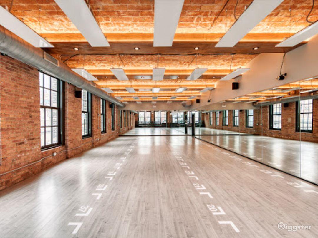 Large Studio Room for Yoga or Photoshoots Photo 1