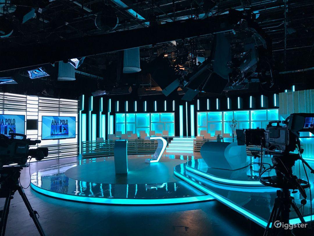 Studio B: 4000 sq/ft Dra. Polo court show for Fox Television