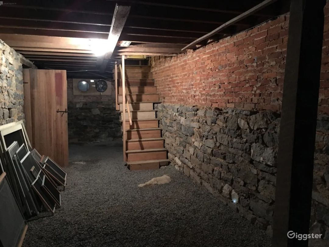 Grand Rustic Basement for Filming & Photoshoots Photo 1