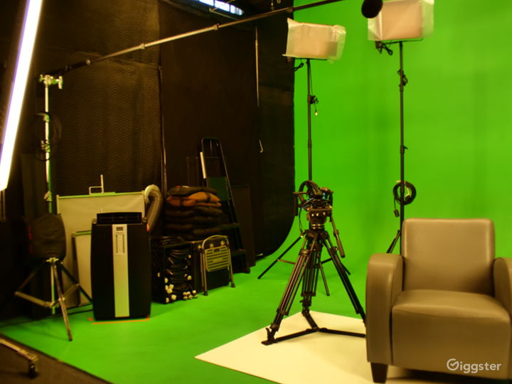 Photo-Video Studio with Pre-Lit Green Screen Stage Photo 3