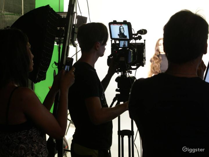 Photo-Video Studio with Pre-Lit Green Screen Stage Photo 5