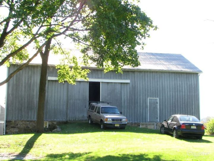Bucolic farmhouse: Location 4168 Photo 3