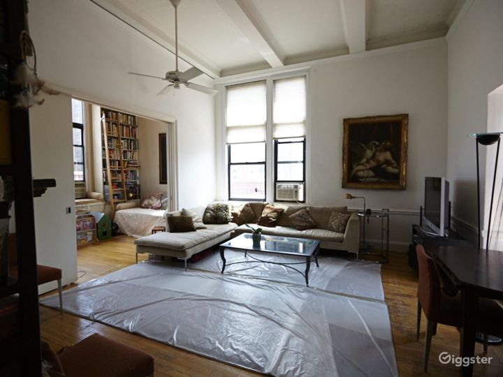 Contemporary penthouse apartment: Location 2748 Photo 2