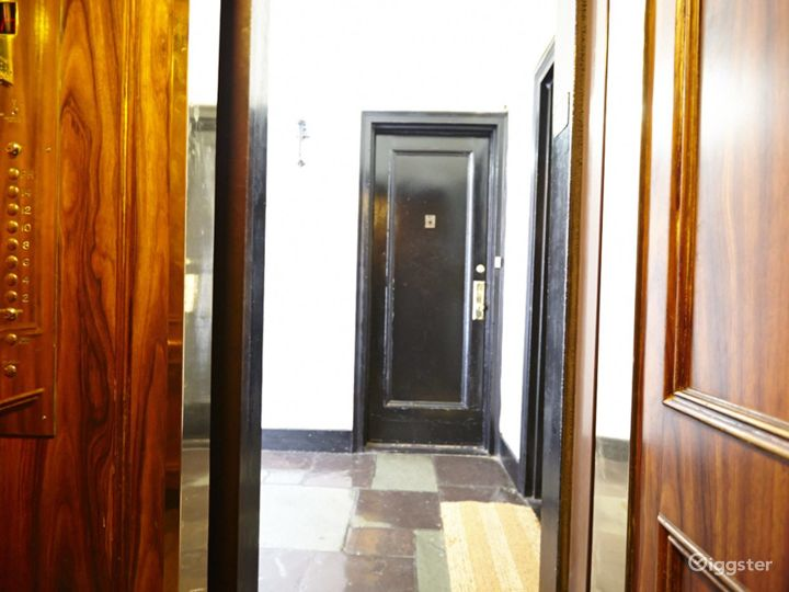 Contemporary penthouse apartment: Location 2748 Photo 4
