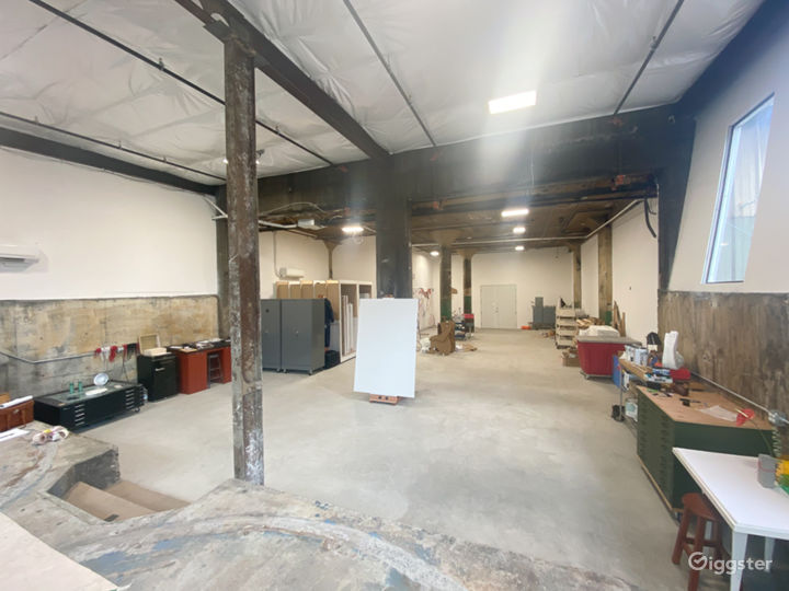 Big, bright, creative studio Photo 2