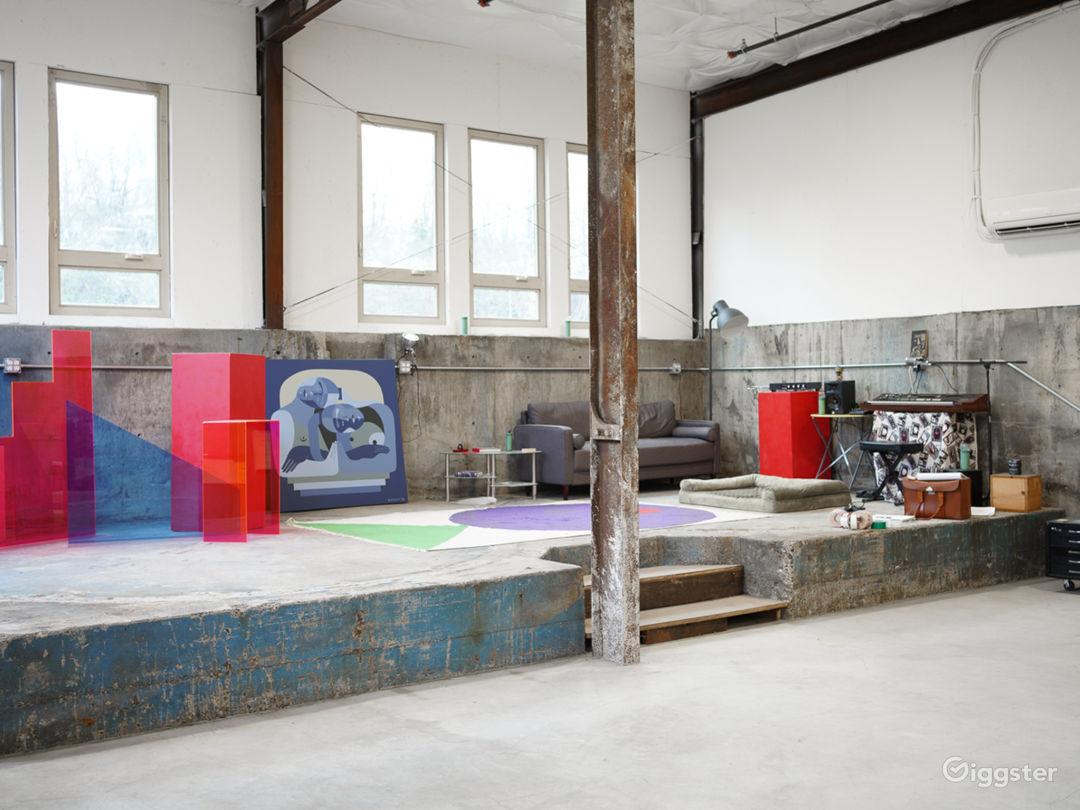 Big, bright, creative studio Photo 1
