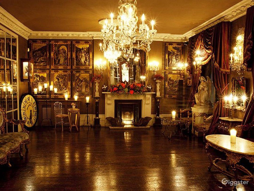 Elegant Ballroom in London Photo 1