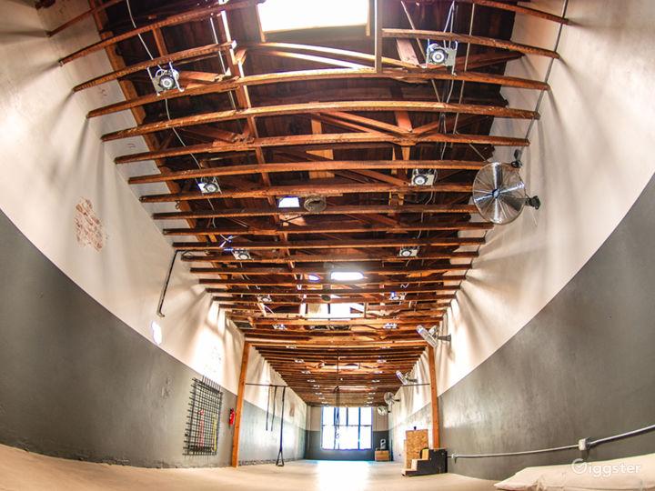 Great Studio Space, wood beams, 4 Skylights