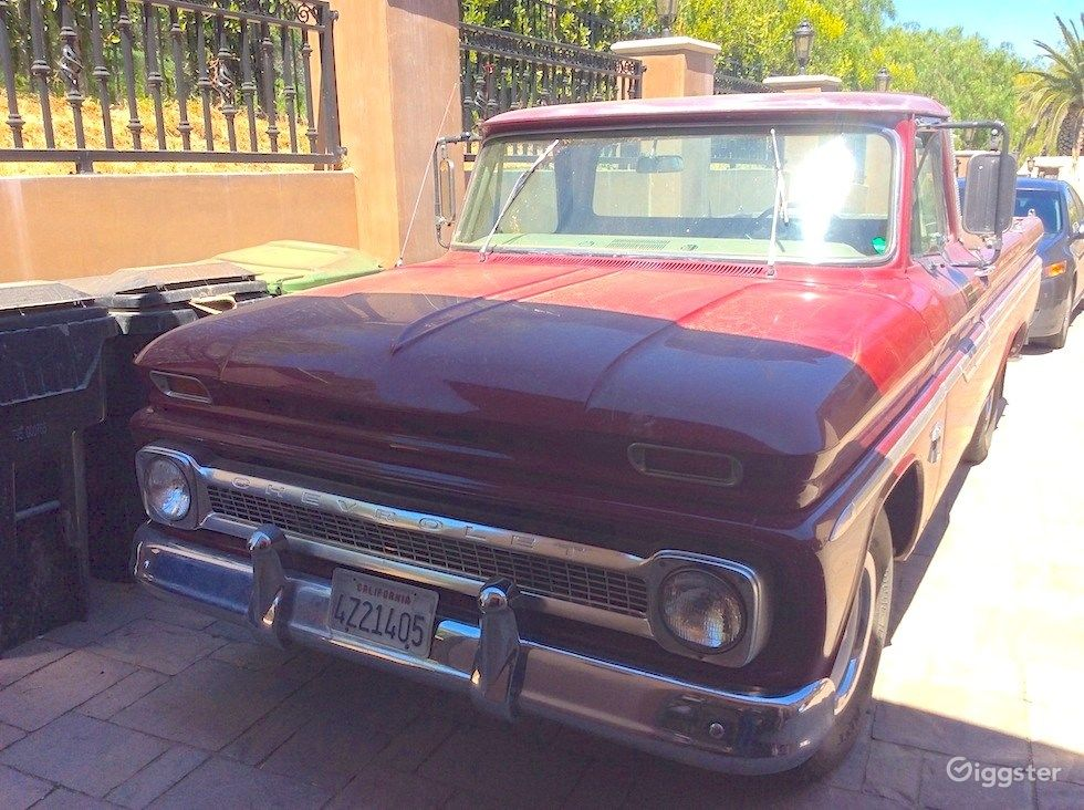 Old Ford Pick Up Photo 1