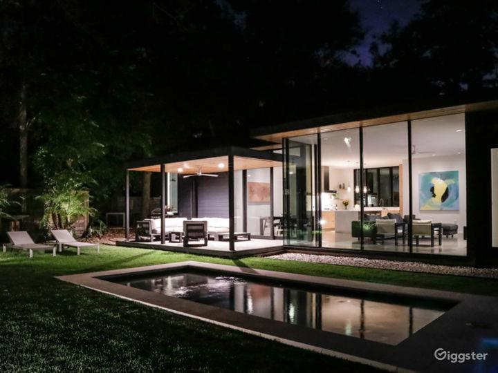 Allandale Modern Residence w/ great indoor/outdoor