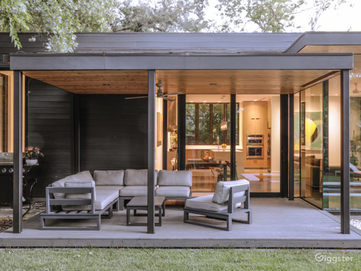 Allandale Modern Residence w/ great indoor/outdoor Photo 2