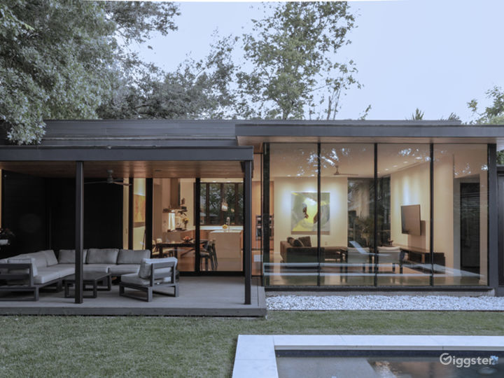 Allandale Modern Residence w/ great indoor/outdoor Photo 3