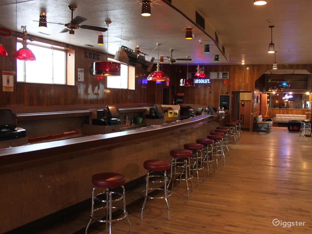 Vintage bar downtown Photo 1