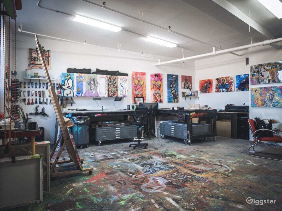 Art Studio With Lots of Color Photo 1