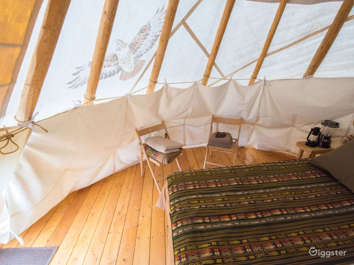 Beautiful Tipi 2 Glamping with Earth Color Vibe Photo 4
