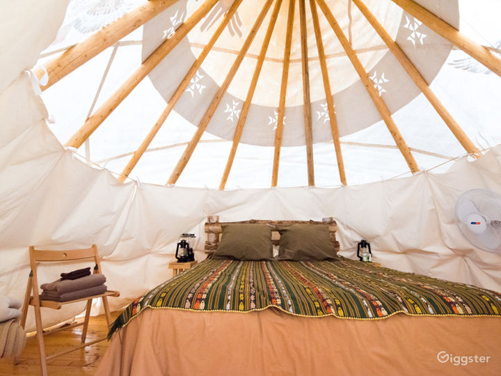 Beautiful Tipi 2 Glamping with Earth Color Vibe Photo 2